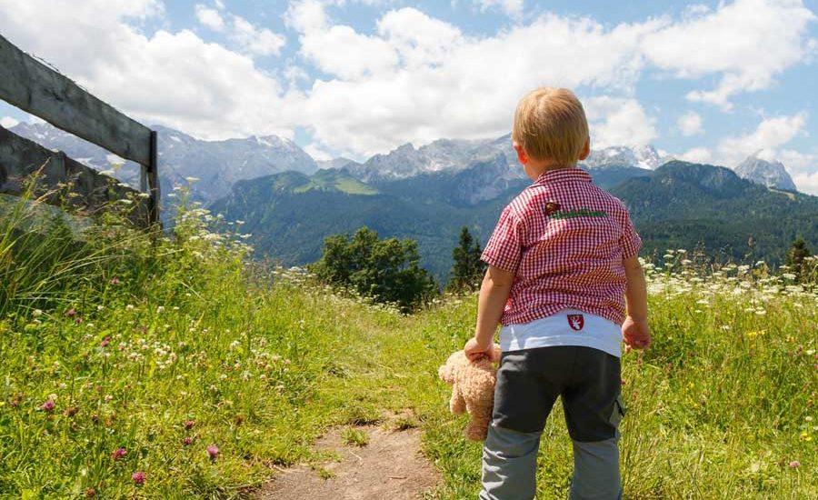 -profiter-de-la-montagne-avec-de-jeunes-enfants